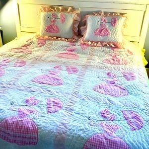 Girl's Appliqué Quilt w/Pillow Cases 76x86 Double